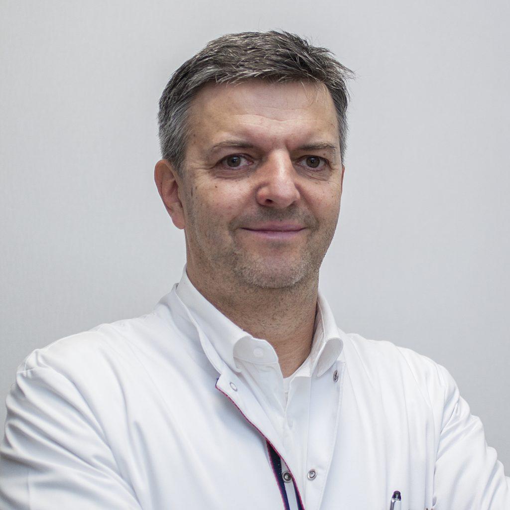 RIRS- nowoczesna metoda leczenia kamicy nerkowej. Rozmowa z urologiem, dr n. med. Tomaszem Piernikiem